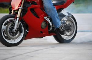 comissao-aprova-pl-que-preve-cabines-de-pedagio-para-motocicletas