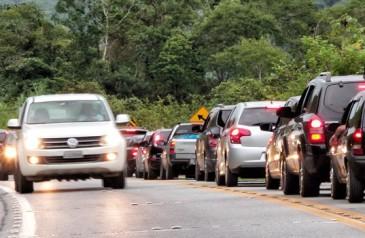 uso-de-farol-baixo-durante-o-dia-nas-rodovias-e-votado-no-senado