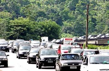 no-feriadao-estradas-paulistas-recebem-mais-de-13-milhao-de-veiculos2