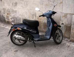 prazo-da-exigencia-de-habilitacao-para-dirigir-ciclomotores-e-adiado-mais-uma-vez