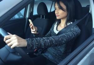 uso-de-celular-ao-dirigir-sera-uma-infracao-gravissima-a-partir-de-novembro