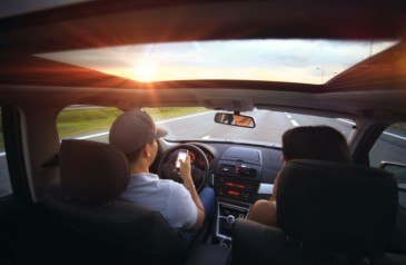 esqueca-o-celular-enquanto-dirige
