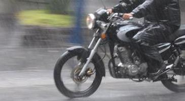 riscos-para-motociclistas-sao-maiores-sob-chuva