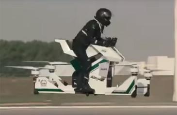 moto-voadora-robos-pilotos-e-supercarga-em-onibus-eletrico