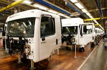 setor-de-caminhoes-reage-em-2017-mas-fabricas-operam-com-25-da-capacidade