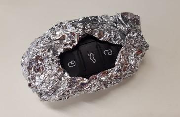 por-que-especialistas-recomendam-embrulhar-chaves-automaticas-do-carro-em-papel-aluminio