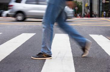 resolucao-para-multar-pedestres-e-ciclistas-pode-ficar-so-no-papel