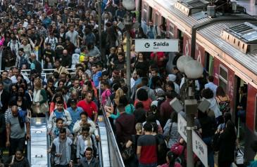 paulistano-demora-quase-3-horas-por-dia-no-transito-e-88-dos-pedestres-se-sentem-inseguros-diz-pesquisa