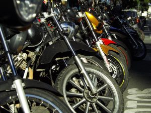 agencia-saude-onu-divulga-publicacao-portugues-seguranca-motos