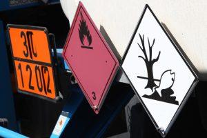 transporte-de-produtos-perigosos-voce-sabe-ler-o-painel-de-seguranca-e-os-rotulos-de-risco