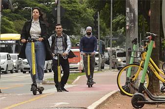 prefeituras-querem-regulamentar-patinetes-eletricos-min