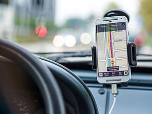 os-aplicativos-essenciais-e-gratis-para-enfrentar-o-transito-min