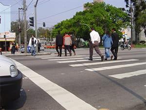 motoristas-e-pedestres-reconhecem-melhorias-no-transito-e-diminuicao-de-acidentes-depois-da-instalacao-de-radares-min
