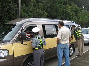 transporte-clandestino-coloca-em-risco-a-vida-dos-estudantes-min