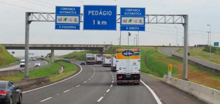 governo-de-sp-vai-entregar-a-caminhoneiros-adesivos-eletronicos-para-pagamento-automatico-de-pedagios