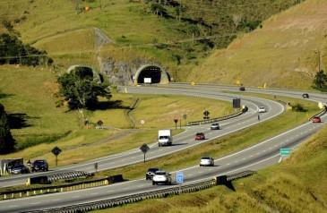 movimento-nas-estradas-paulistas-cai-52-no-feriado-de-pascoa-segundo-der