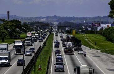 novo-site-informa-a-caminhoneiros-as-condicoes-das-estradas-em-sp