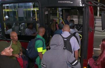 prefeitura-de-sp-aumenta-efetivo-de-onibus-pelo-2-dia-consecutivo-apos-passageiros-relatarem-filas-e-superlotacao