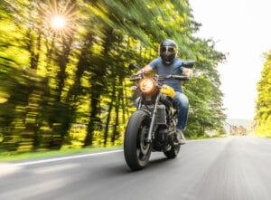 luz_motocicleta-min
